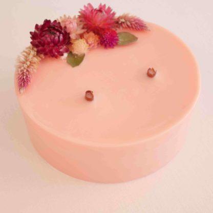 bougie personnalisée rose fleurs immortelles
